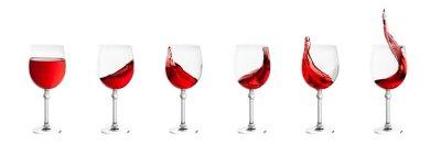 Sticker Satz von Weingläsern mit Spritzern von Wein isoliert auf weiß zurück