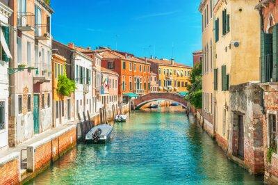 Sticker Schmalen Kanal in Venedig, Italien.