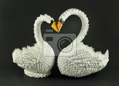 Schöne weiße Schwan Origami in der Liebe, Hand von Papier
