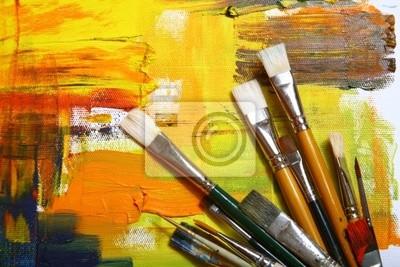 Set Bürsten auf gemalten Hintergrund .