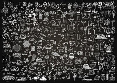 Sticker Set von Speisen und Getränken doodle auf Tafel Hintergrund.