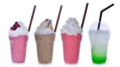 Sticker Sommergetränke mit Eis auf weißem Hintergrund