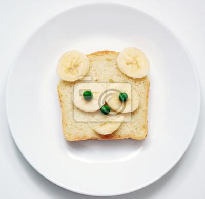Stock-Foto-schön-Teddy-Bär-Toast-für-Kinder-lustig-Tier-Gesicht-Toast-für-Kinder-Frühstück-oder-Mittagessen-Essen-auf-dem-weißen-Hintergrund