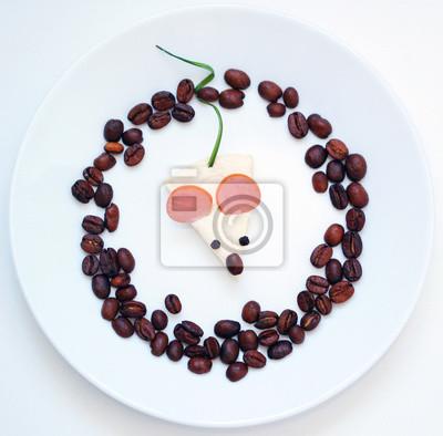 stock-Foto-Spaß-mit-Essen-Bild-auf-dem-weißen-Teller-Maus-from-Wurst-Käse-Greens-kreative-und-lustig-Essen-Kunst
