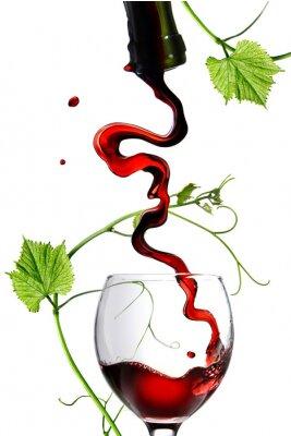 Sticker Strömender Rotwein im Glas mit Stange, isoliert auf weiss