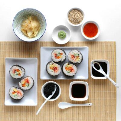 Sticker Sushi Rollen, Sojasauce, Ingwer und Wasabi