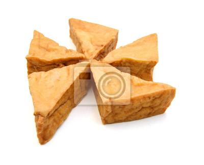 Tofu auf weißem Hintergrund