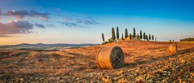 Sticker Toskana Landschaft mit Bauernhaus bei Sonnenuntergang, Val d'Orcia, Italien