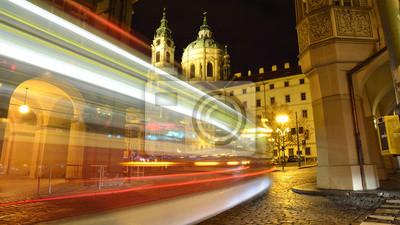 Tram im historischen Teil von Prag, Tschechische Republik