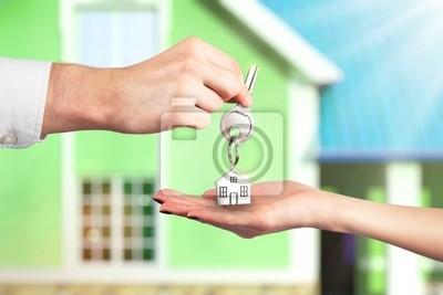 Überreichen der Schlüssel von einer New Home