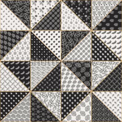 Sticker Vector abstraktes nahtloses Patchworkmuster von den schwarzen und hellen beige Dreiecken mit Spitzen- Blumenverzierungen, stilisierten rosafarbenen Blumen und Blättern. Goldene Kontur dünne Linie. Tex