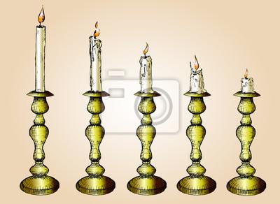Vector Set von Skizze Kerzen in Gold Leuchter. Hand gezeichnete Illustration, Prozess der Kerze Burning..isolated