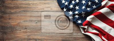 Sticker Vereinigte Staaten kennzeichnen auf hölzernem Hintergrund