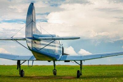 Sticker Vintage leichte Sportflugzeuge im Abendlicht