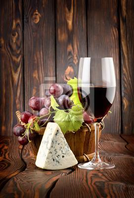 Wein und Blauschimmelkäse