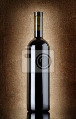 Weinflasche auf einem alten Leinwand
