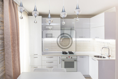 Weiss Glanzend Moderne Kuche Mit Stein Arbeitsplatte Und In