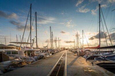 Sticker Yachthafen Sonnenaufgang
