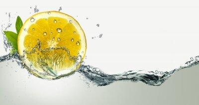Sticker Zitrone und Spritzwasser.