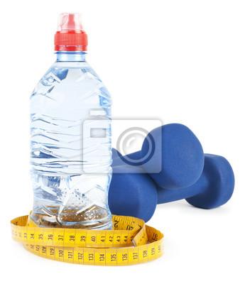 Zwei Hanteln, Wasser in der Flasche
